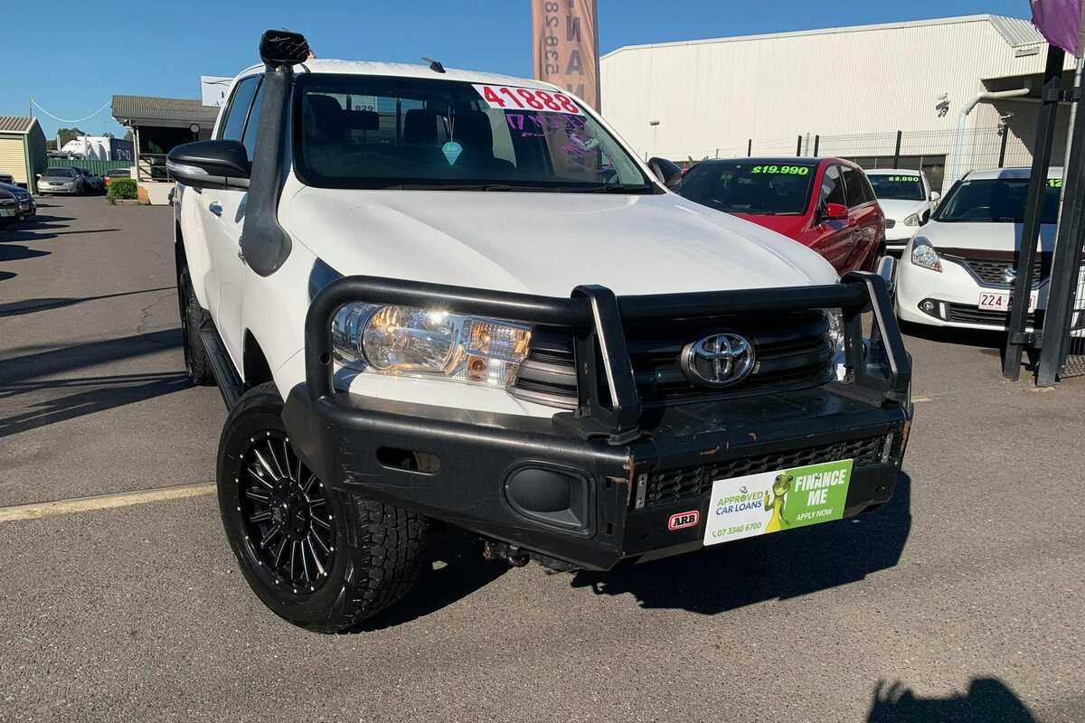 2017 Toyota HILUX SR 4X4
