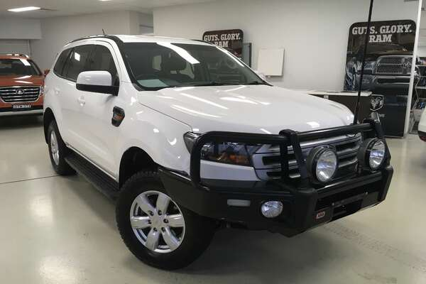2017 FORD EVEREST Ambiente UA