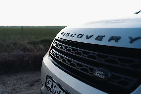 2019 LAND ROVER DISCOVERY SD6 SE Series 5