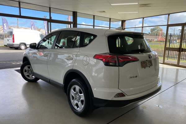 2017 Toyota RAV4 GX ZSA42R